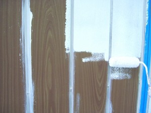 4棟目16雨戸下塗り状況
