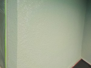 高橋邸壁中塗り